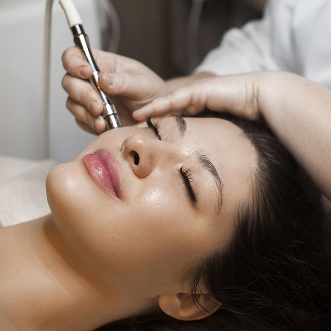 Medizinische Kosmetik bei Kosmetikerin Anett Schadeck